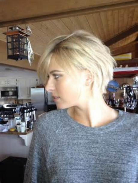 blonde halflange kapsels