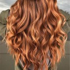 Rood met blonde highlights